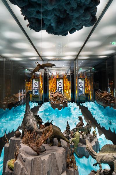 winshluss_il-y-a-5000-ans-disparaissaient-les-dinosaures